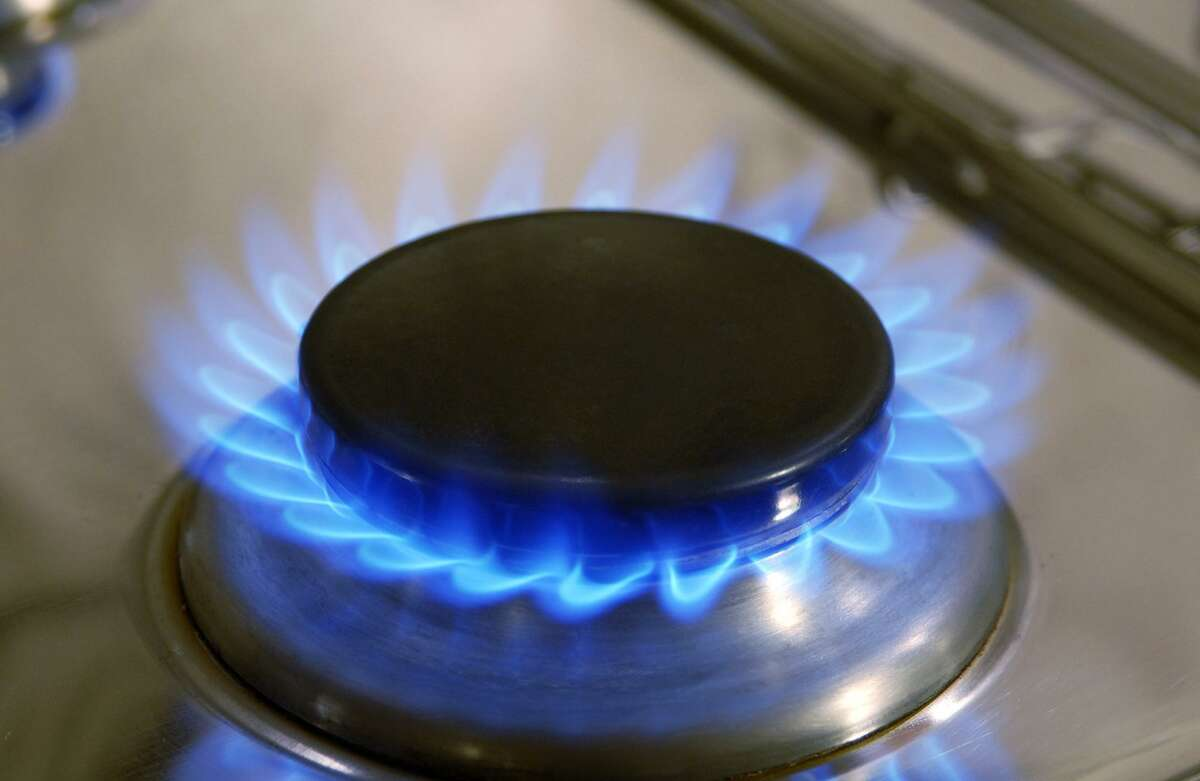 Fotolia. Flamme eines Gasherdes, Flame of a gas cooker