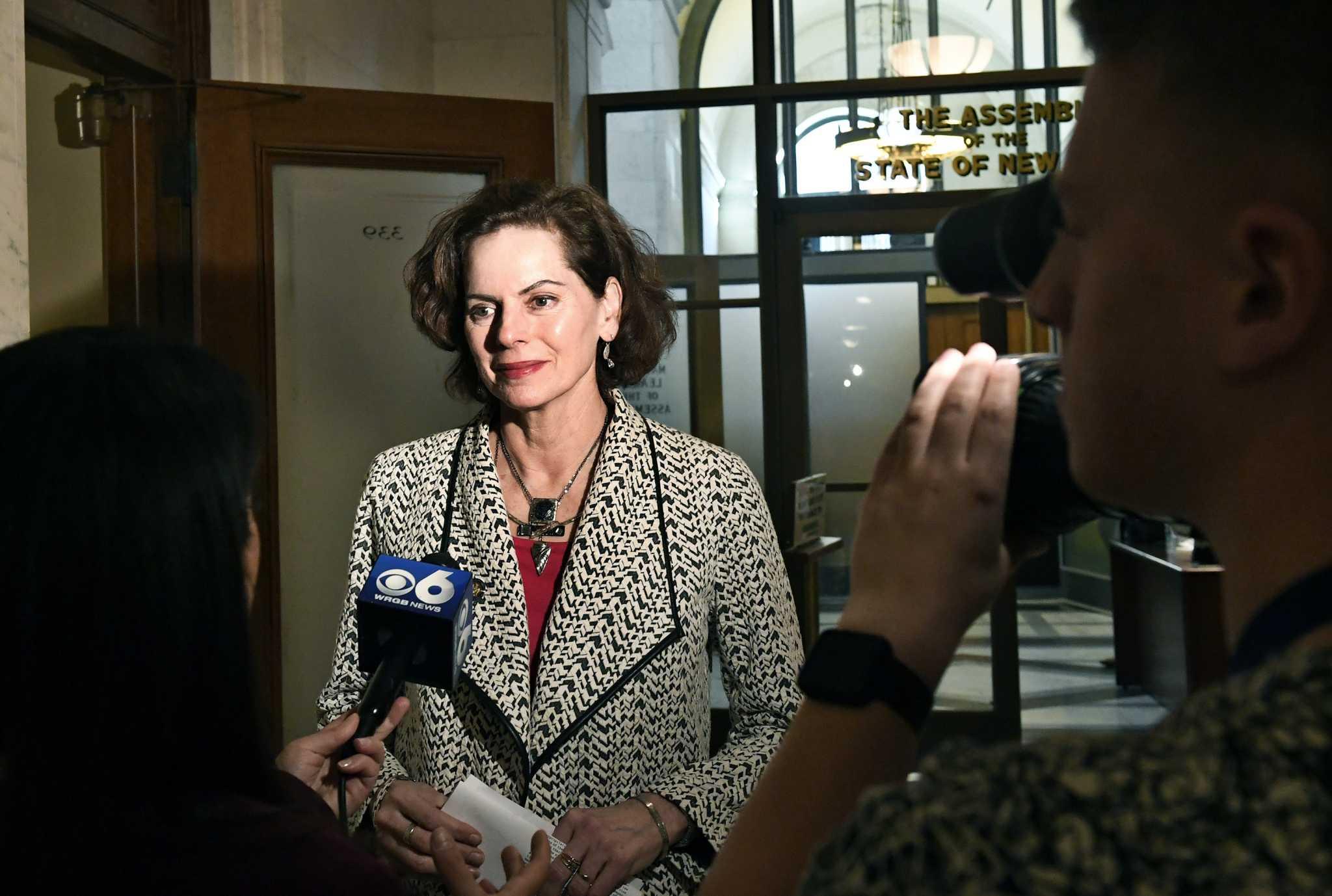 Legislature tries to spur state regulators on overdue energy efficiency standards