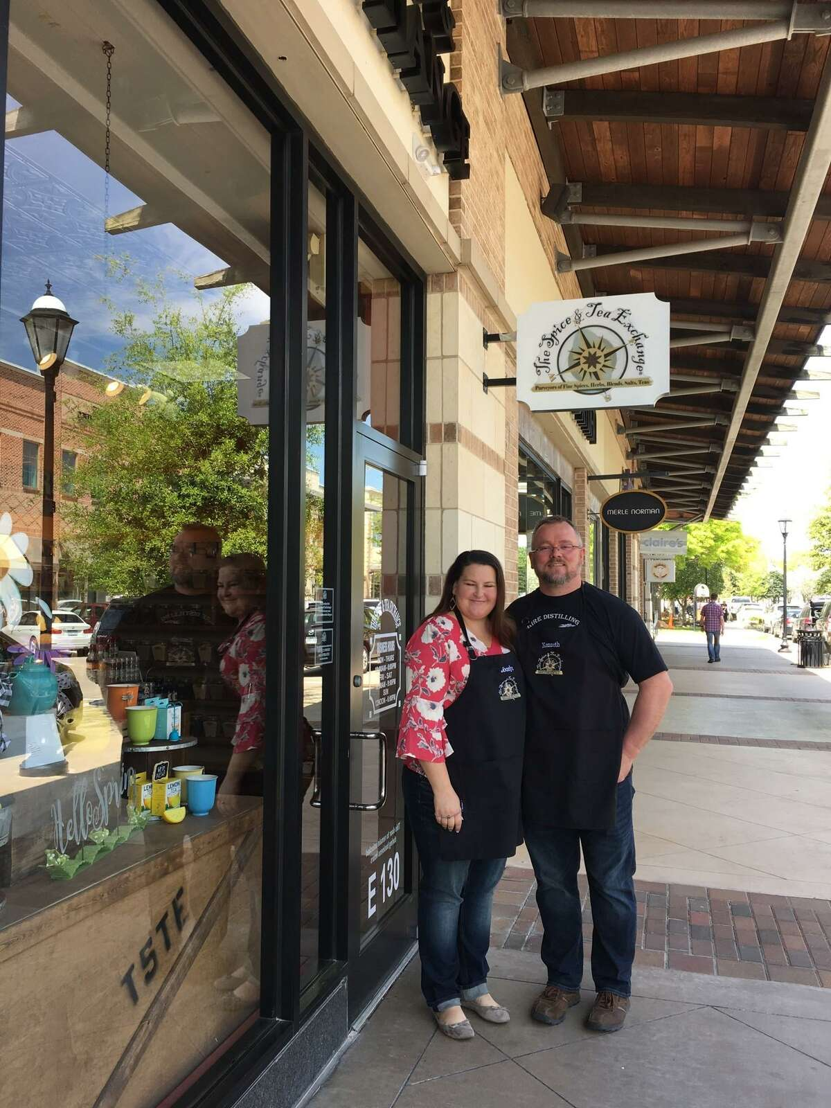 Jocelyn and Kenneth Schneider decided they didn't want any more job transfers and wanted to stay in the Katy area after four years in Alaska. So they opened in December The Spice & Tea Exchange in Cinco Ranch.