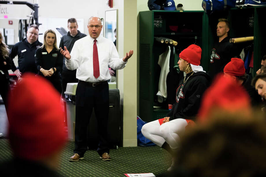 Great Lakes Loons President and General Manager Brad Tammen speaks to Loons players during a team meeting on Monday, April 1, 2019 at Dow Diamond. (Katy Kildee/kkildee@mdn.net) Photo: (Katy Kildee/kkildee@mdn.net)
