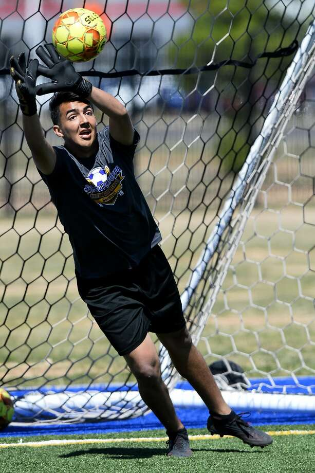 Midland High goalkeeper Noah Venegas photographed April 1, 2019, during team practice. James Durbin / Reporter-Telegram Photo: James Durbin / Midland Reporter-