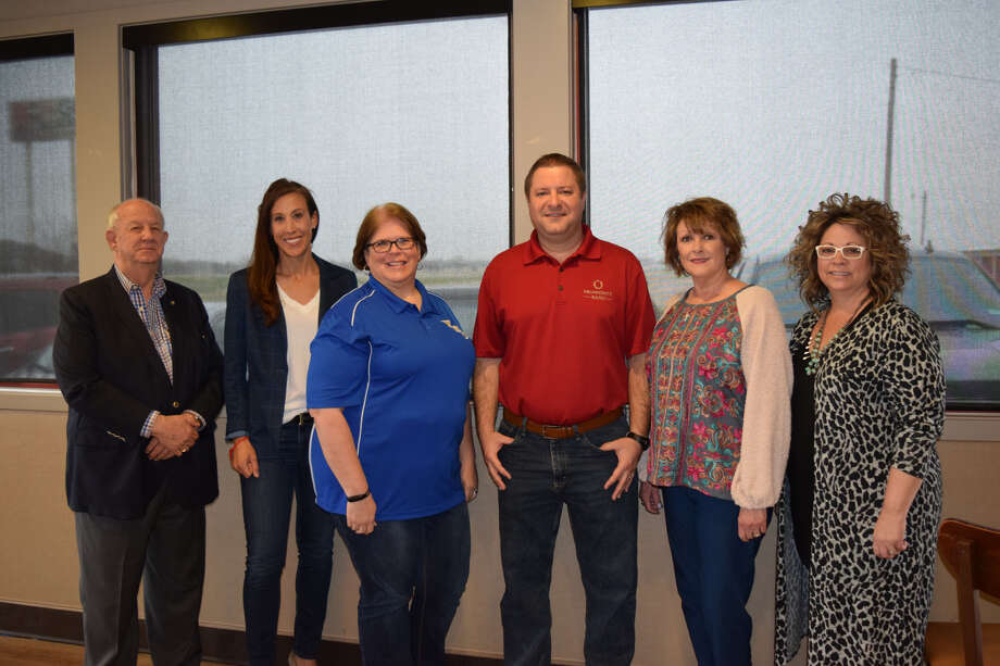 Plainview Area United Way elected new officers Friday morning. R-L: Treasurer David Wilder, Regan Manning, Second Vice President Teresa Young, President Brandon Ahrens, Secretary Janis Roberson and Leigh Ann Bradley. (Missing: Rachel Foster and Laura Villarreal) Photo: Ellysa Harris/Plainview Herald
