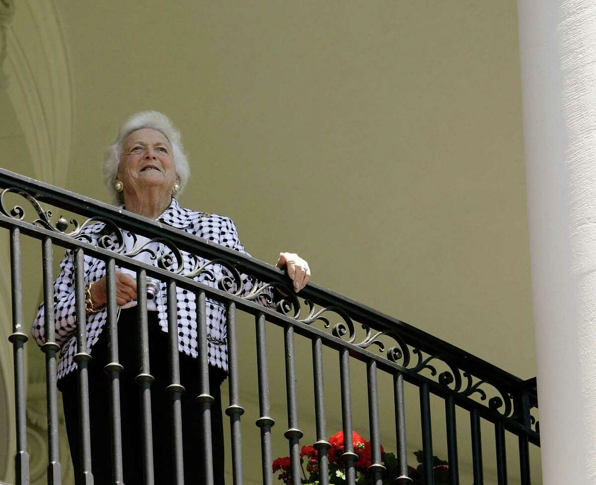 FILE - Former first lady Barbara Bush visits the White House on May 10, 2006. In the months before her death in 2018, Bush, the wife of one Republican president and the mother of another, abandoned the party she and her family had spent their whole lives building, horrified by President Donald Trump's election and deeply disturbed by his administration. (Doug Mills/The New York Times)