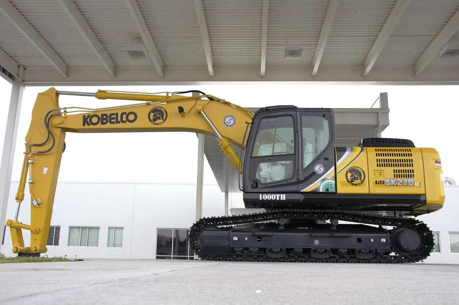 The 1000th KOBELCO excavator produced in the USA is the SK210LC-10. Photo: Courtesy Photo