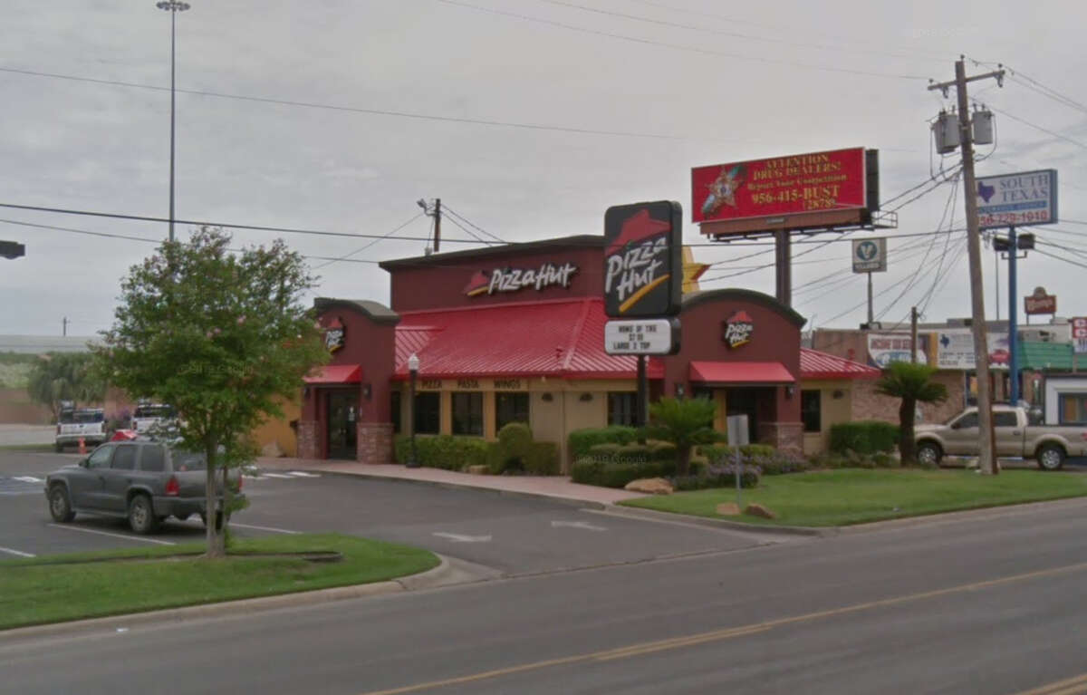 Pizza Hut: 4821 San Bernardo Date: 03/04/19 Score: 100