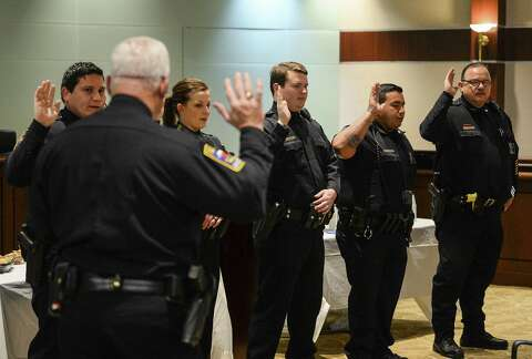 Vidor PD promotes 1, swears in 5 officers - Beaumont Enterprise