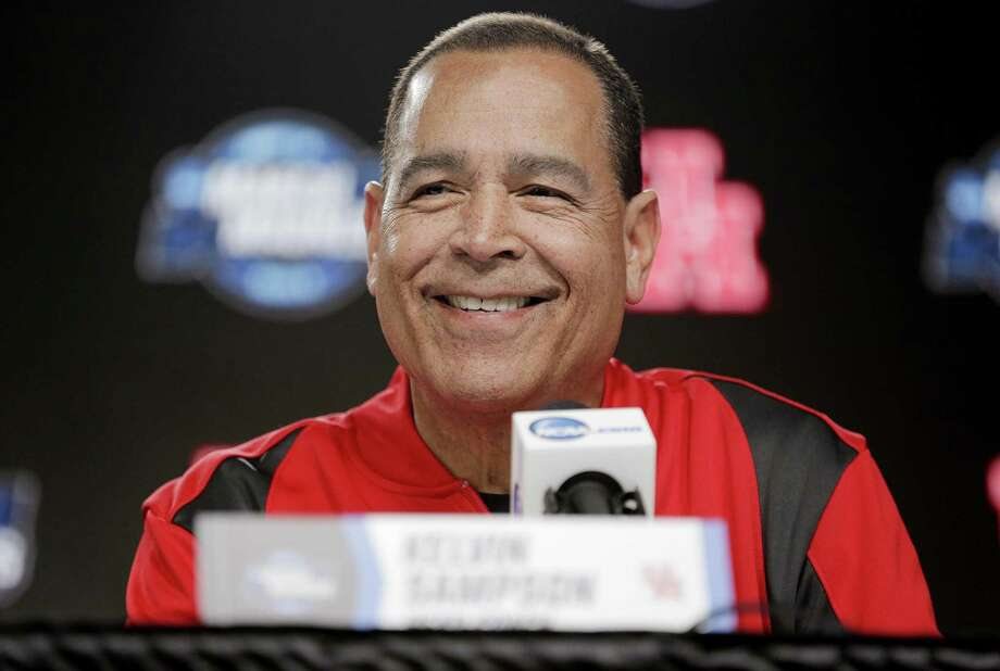 PHOTOS: College basketball's highest paid coaches A 33-4 UH team that set a school record for victories, won an AAC regular-season championship, and reached the Sweet 16 gave Kelvin Sampson a lot to be happy about in Houston. >>>See the salaries for the highest-paid coaches in 2019 ... Photo: Elizabeth Conley, Houston Chronicle / Staff Photographer / © 2018 Houston Chronicle