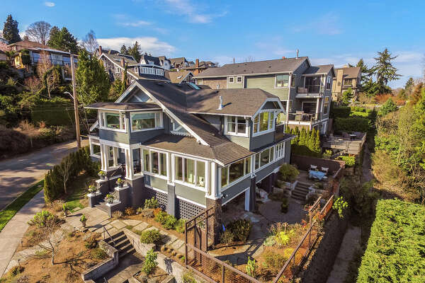 DCIM\100MEDIA\DJI_0004.JPG With stunning views and both original and modern charm, this Madrona beauty asks $2.775M.