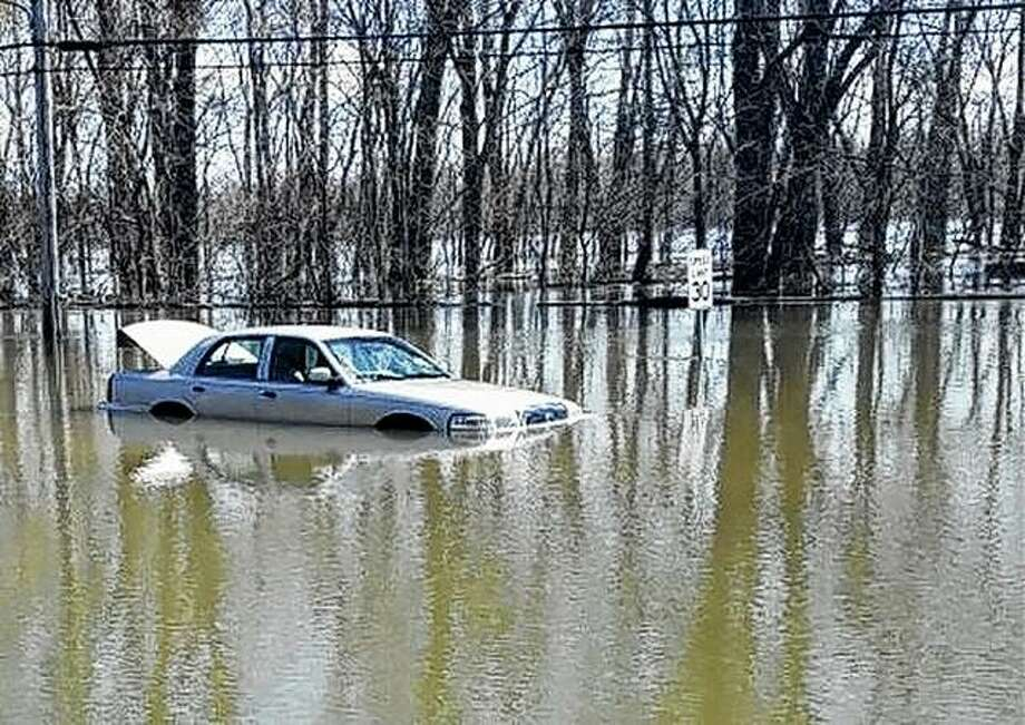A Jersey County sheriff's deputy was able to free a man from a partially submerged vehicle. Photo: Jersey County Sheriff's Department