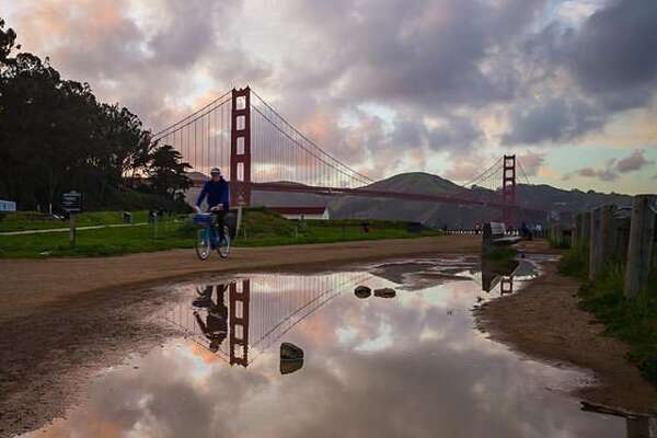 Sun, clouds and the Golden Gate by @lousiraphael