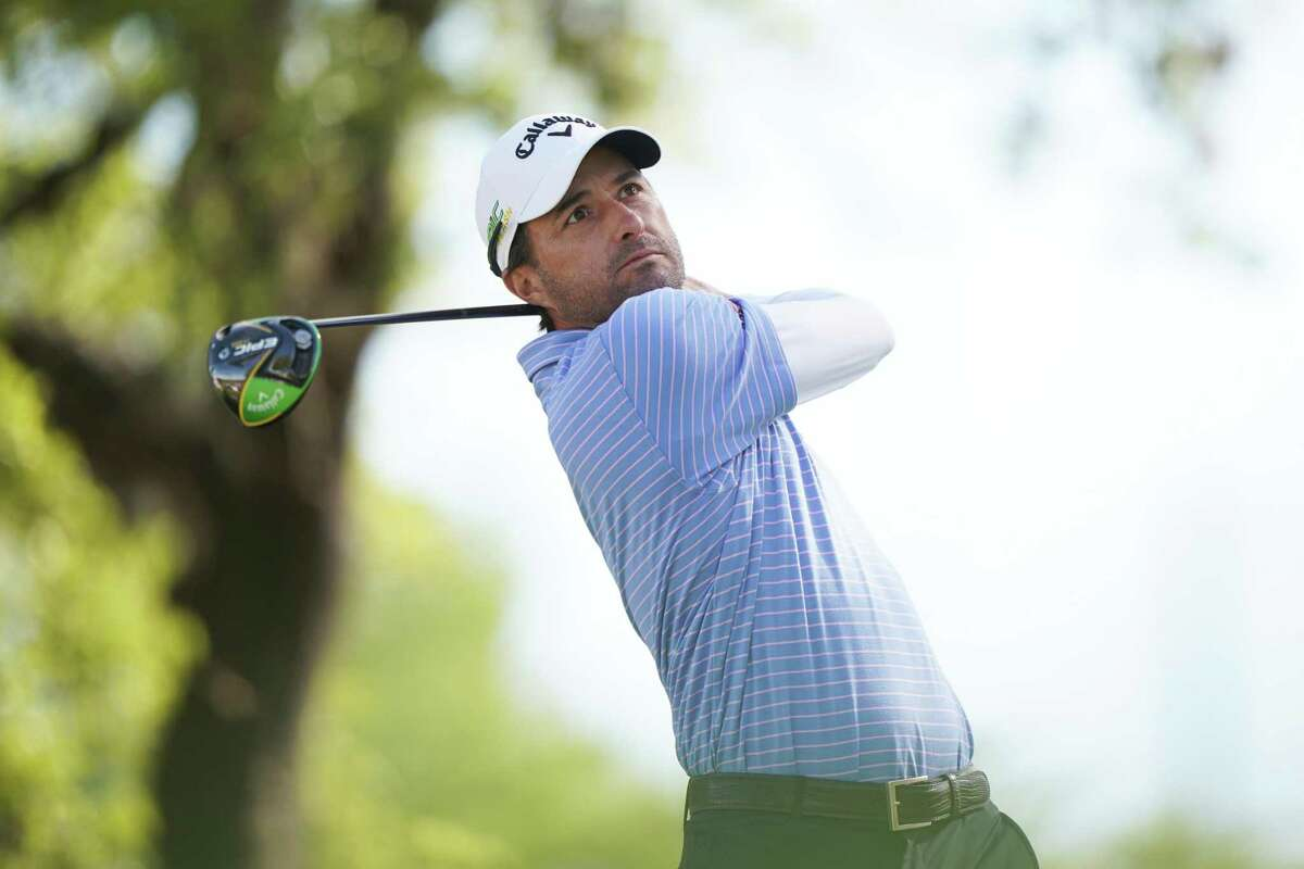 AUSTIN, TEXAS - MARCH 31: Kevin Kisner of the United States plays his shot from the 12th tee in his match against Matt Kuchar of the United States during the final round of the World Golf Championships-Dell Technologies Match Play at Austin Country Club on March 31, 2019 in Austin, Texas.