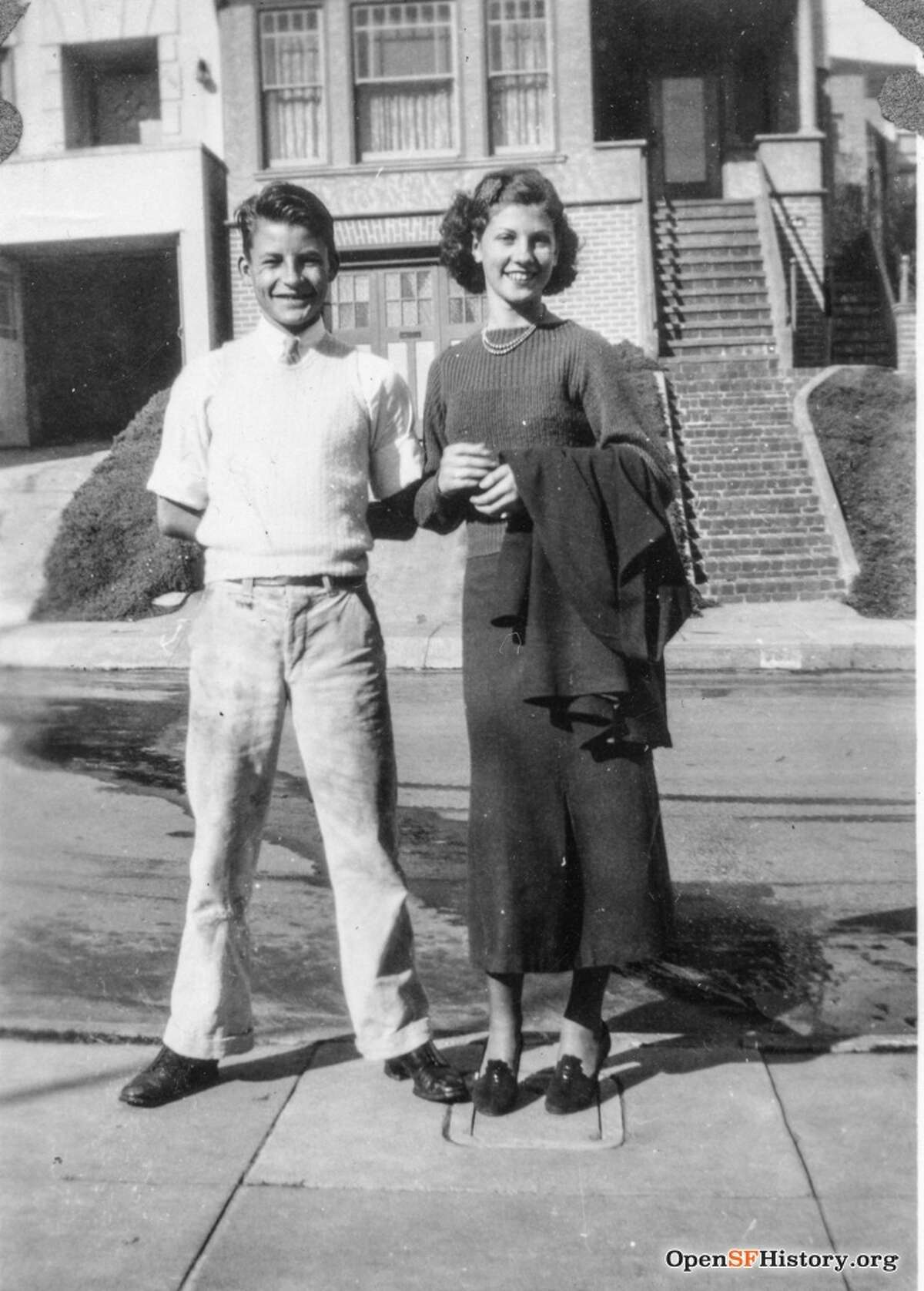 A couple on Valentine's Day 1937 in San Francisco.