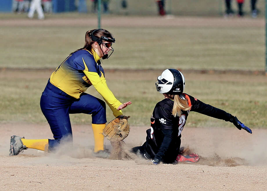 Harbor Beach at North Huron — Softball Photo: Paul P. Adams/Huron Daily Tribune
