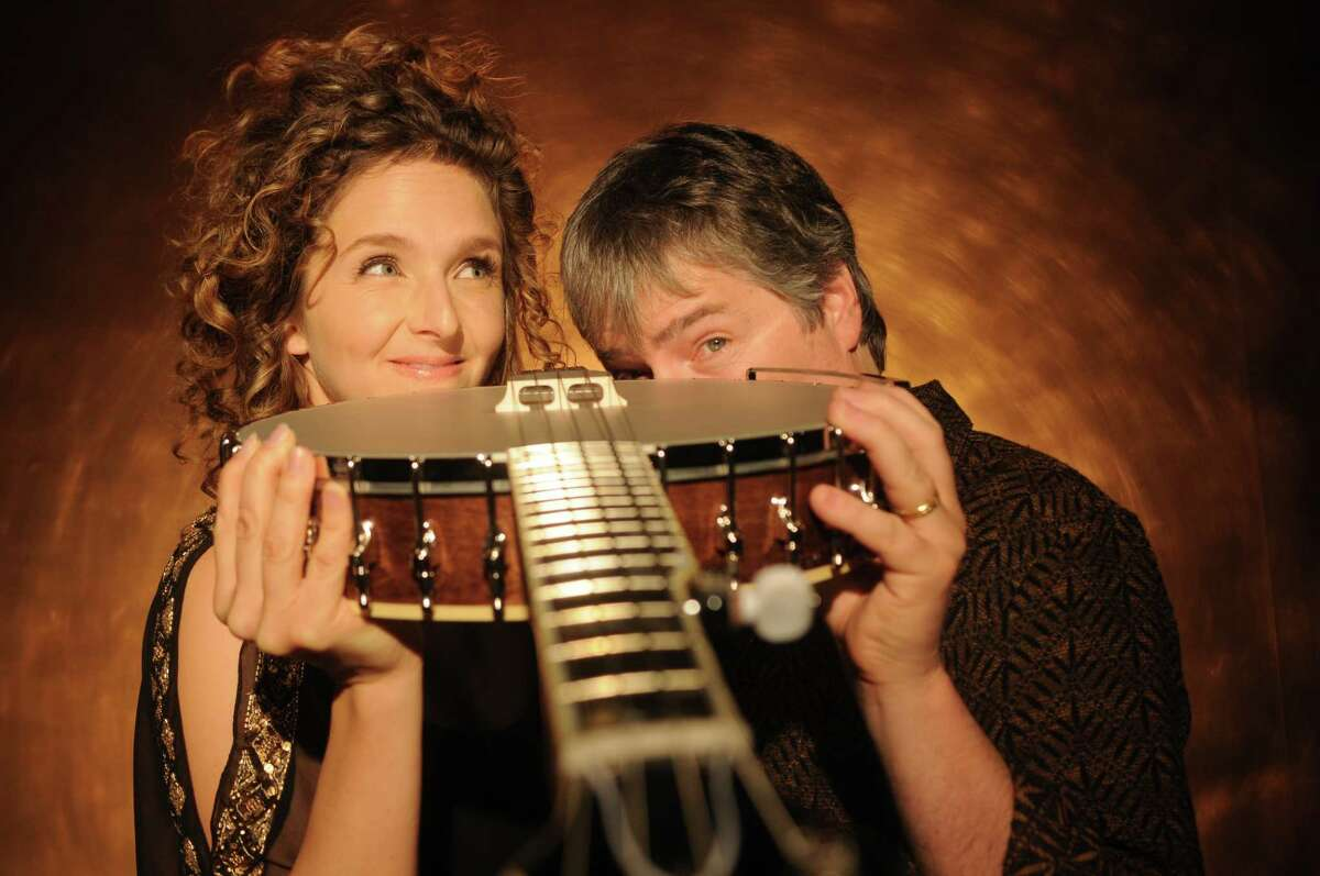 Bela Fleck and Abigail Washburn (credit: Jim McGuire)