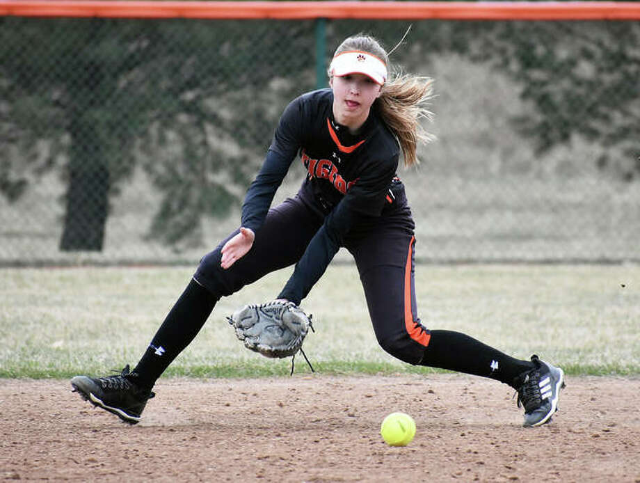 Jayna Connoyer and the Edwardsville Tigers had their softball game against the Alton Redbirds rained out Thursday. No make-up date has been announced. Photo: Matt Kamp/The Intelligencer