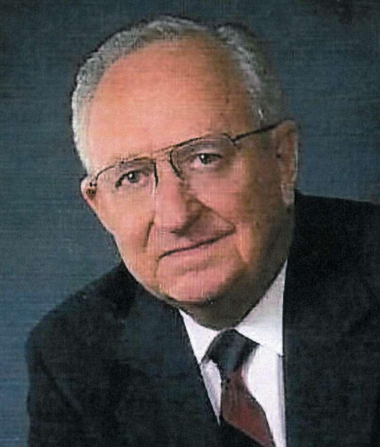 George H. Vakey, a former principal at MacArthur High School, died Feb. 21 at age 97. Photo: /