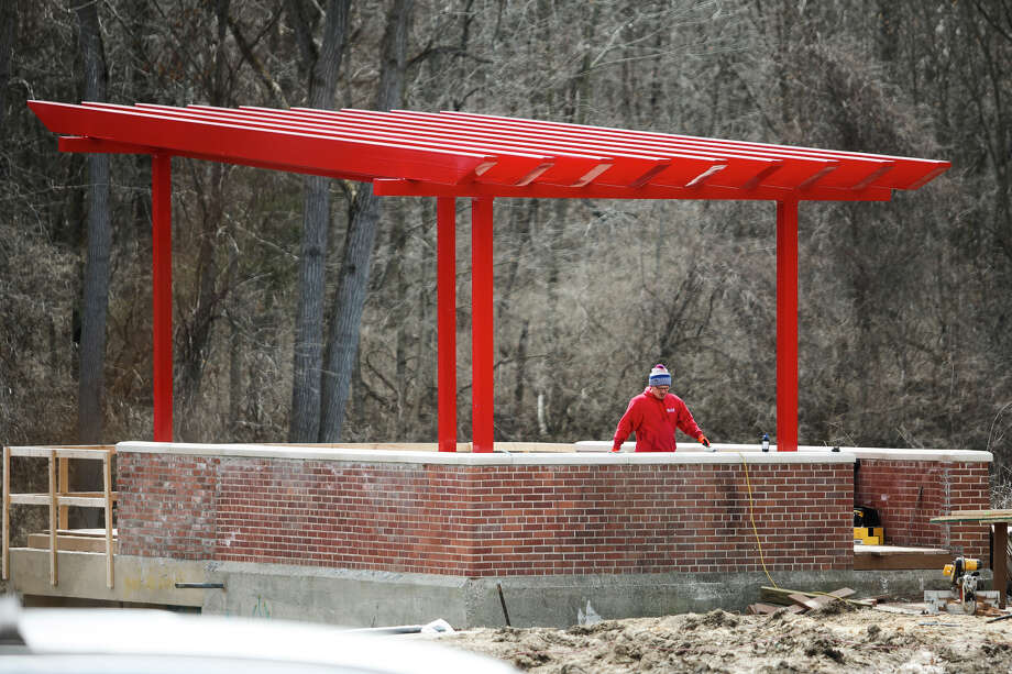 Construction continues on a river overlook structure at Upper Emerson Park, where a pumphouse once stood, on Thursday, April 4, 2019. (Katy Kildee/kkildee@mdn.net) Photo: (Katy Kildee/kkildee@mdn.net)