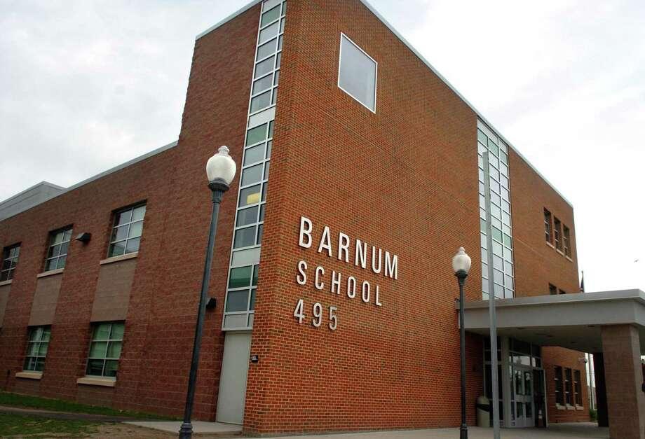 Bridgeport's Barnum School. Photo: Autumn Driscoll / ST / Connecticut Post