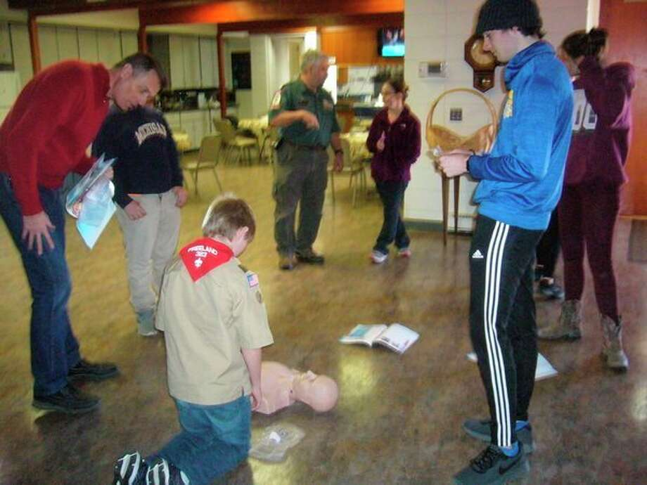 Floyd Arbor 206 of the Gleaner Life Insurance Society recently sponsored this Emergency First Responder Course. Fifteen people recieved their certification for CPR/AED/first aid from instructor Chad R. Blower. Local  Boy Scouts were among the participants. (Photo provided)