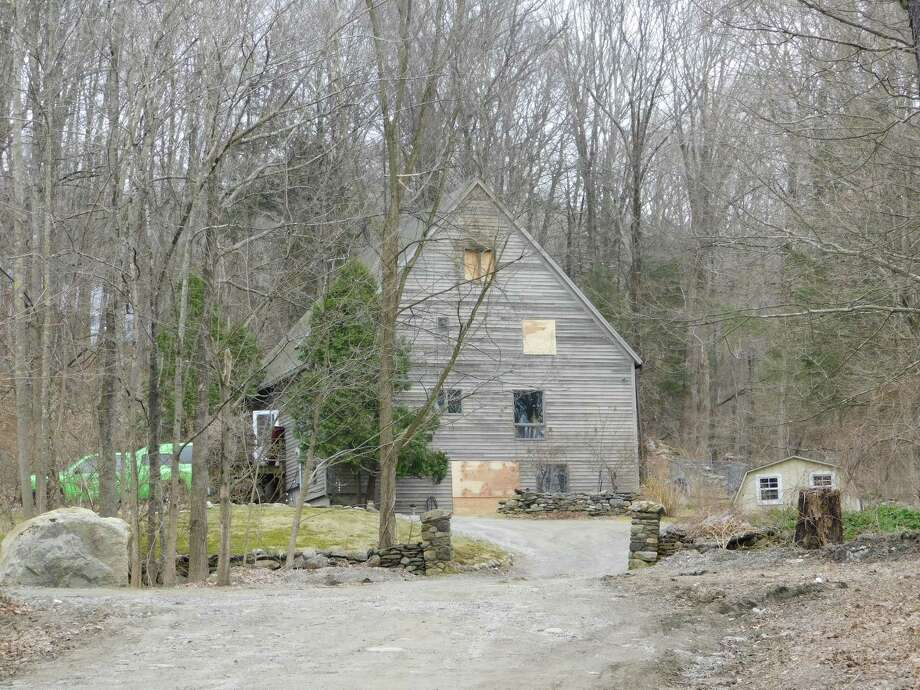 The house at 117 Segar Mountain Road on April 5, 2019, the day after the fire. Photo: Kendra Baker / Hearst Connecticut Media