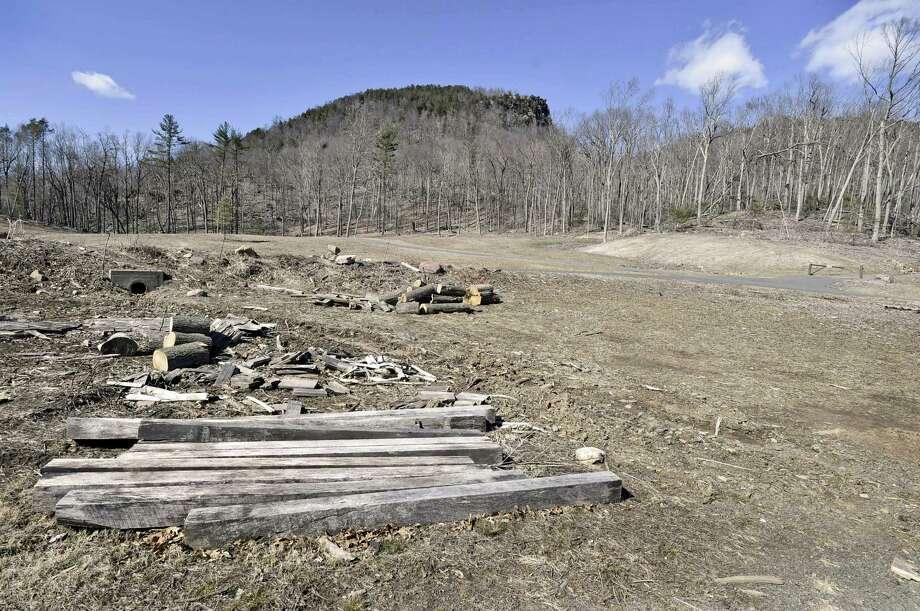 Sleeping Giant State Park in Hamden. Photo: Peter Hvizdak / Hearst Connecticut Media / New Haven Register