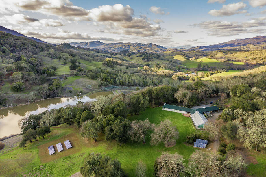 The 2,780-acre Fountain Ranch south of Hopland, Calif., off Highway 101 is listed for $12.4 million. Photo: California Outdoor Properties. / Drone Cowboys