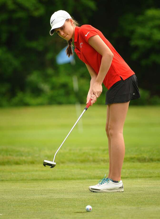 Greenwich's Sydney Nethercott putts on the 1st hole of the 2018 FCIAC Golf Championships on May 31 at Fairchild Wheeler Golf Course in Fairfield. Photo: Brian A. Pounds / Hearst Connecticut Media / Connecticut Post