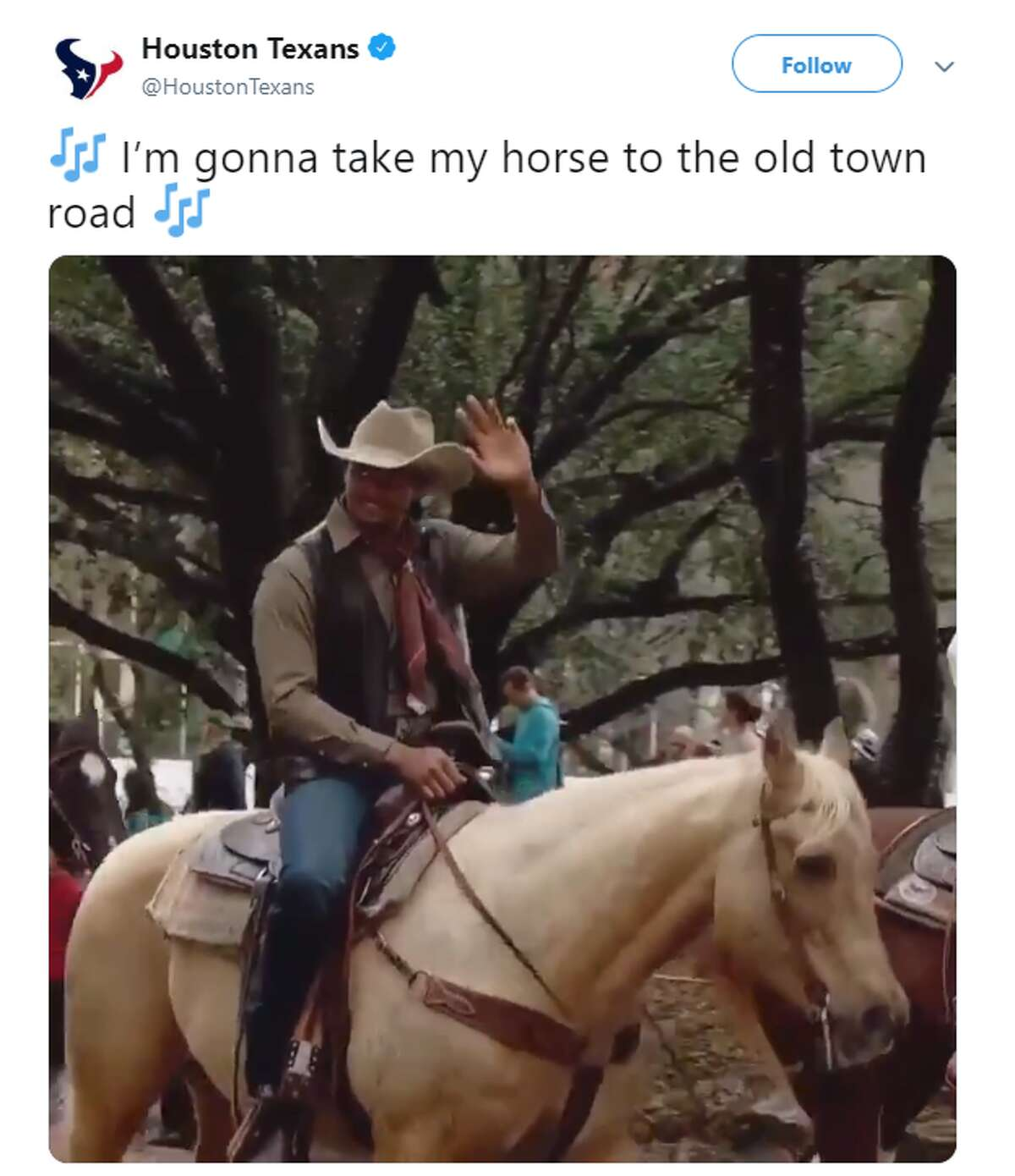 Source: Twitter Browse through the images for some of the best memes and reactions to the Old Town Road Remix.