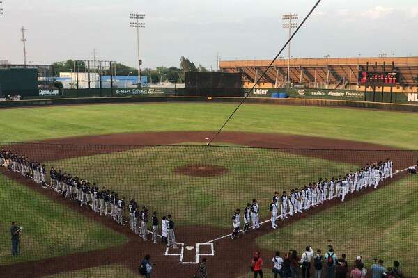The Tecolotes Dos Laredos opened their 2019 season at Parque La Junta on Friday night against Algodoneros Union Laguna. The Tecos picked up a 7-4 win in front of 5,459 fans - more than any game they had last year at Nuevo Laredo Stadium.