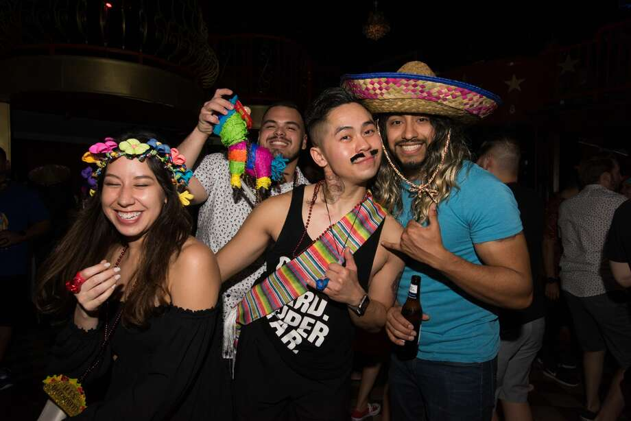The Fiesta Kickoff Pub Run had San Antonio partying in English and in Spanish on Friday, April 5, 2019, starting at Moses Roses Hideout. Because of the coronavirus pandemic, this year's fiesta-themed pub run will take place virtually. Photo: Aiessa Ammeter For MySA.com