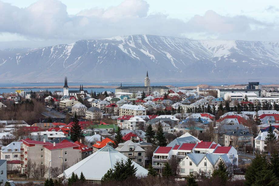 The city skyline in Reykjavik, Iceland, on April 7, 2016. Photo: Bloomberg Photo By Arnaldur Halldorsson. / © 2016 Bloomberg Finance LP