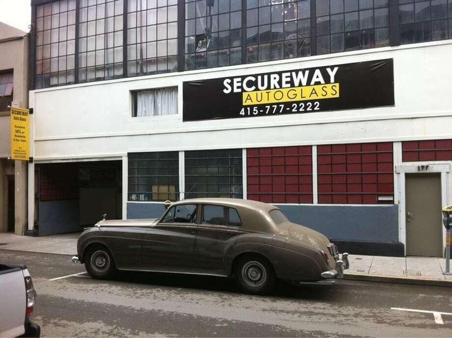 1.Secureway Auto Body and Glass Address: 565 Bryant St., San Francisco, CA 94107 Phone:(415) 777-2222 Website:securewayautoglass.com Photo: Photo By Julie N. Via Yelp