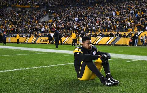 64833f1a3a3 FILE – JuJu Smith-Schuster of the Pittsburgh Steelers watches the Cleveland  Browns play the