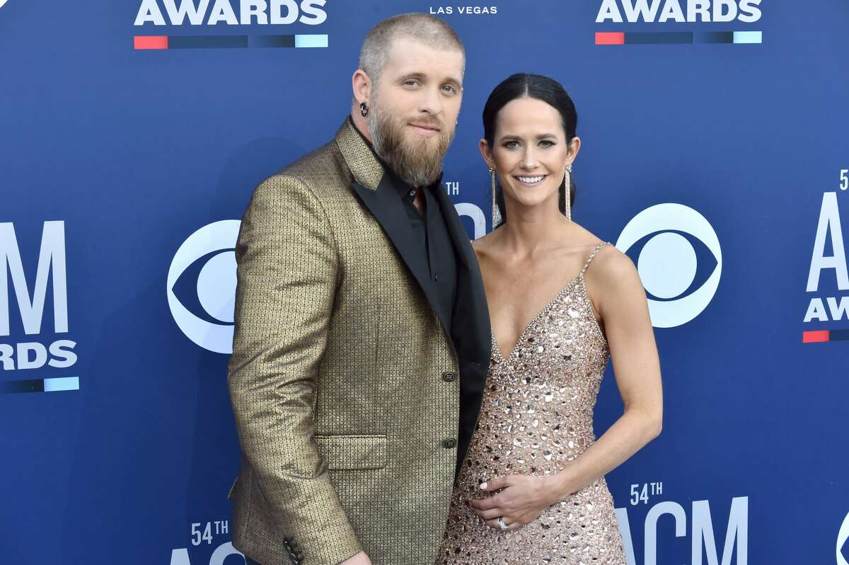 LAS VEGAS, NEVADA - APRIL 07: (L-R) Brantley Gilbert and Amber Cochran attend the 54th Academy Of Country Music Awards at MGM Grand Hotel & Casino on April 07, 2019 in Las Vegas, Nevada. (Photo by Jeff Kravitz/FilmMagic)
