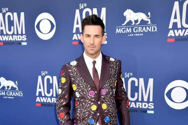 LAS VEGAS, NEVADA - APRIL 07: Jake Owen attends the 54th Academy Of Country Music Awards at MGM Grand Hotel & Casino on April 07, 2019 in Las Vegas, Nevada. (Photo by Jeff Kravitz/FilmMagic)