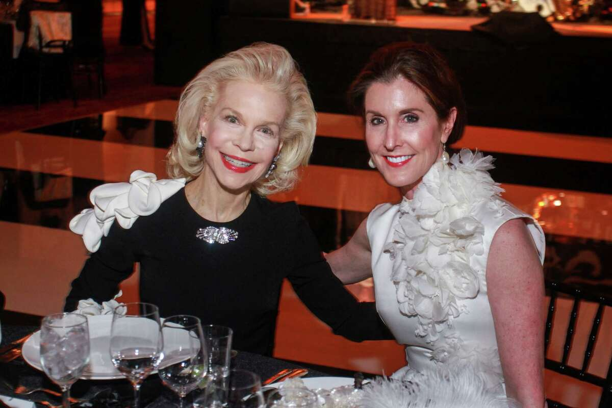 Lynn Wyatt, left, and Phoebe Tudor at the Society for the Performing Arts Black & White Ball.