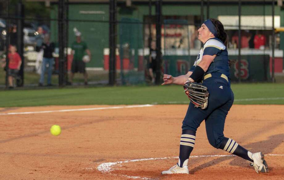 Klein Collins pitcher Kenedy Hines (9) throws the ball during a District 15-6A softball game Tuesday, March 19, 2019 at The Woodlands High School. Photo: Cody Bahn, Staff Photographer / © 2018 Houston Chronicle