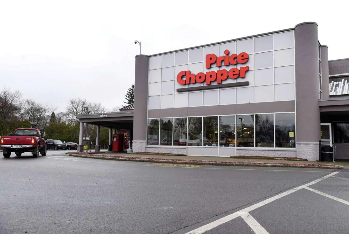 Exterior of the Eastern Parkway Price Chopper, which is undergoing conversion to a Market 32 on Monday, April 8, 2019, in Schenectady, N.Y. (Will Waldron/Times Union)