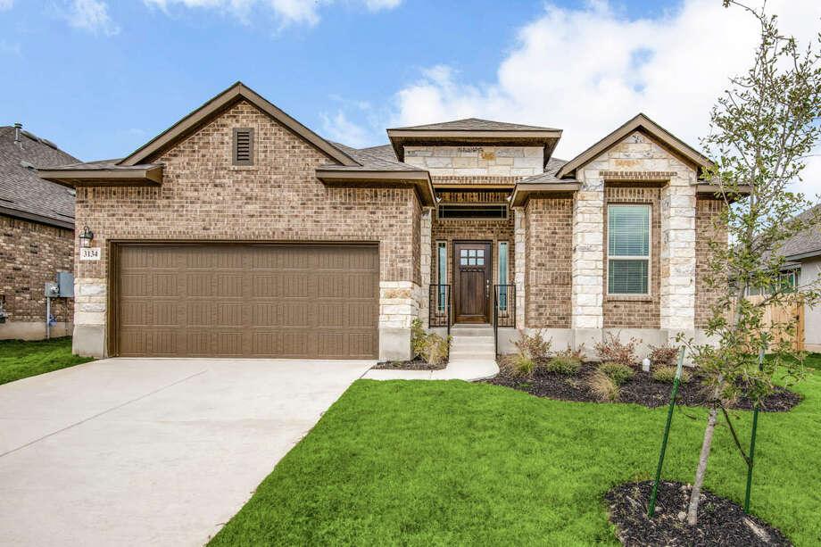 Builder: Chesmar HomesCommunity:Highland Grove  3134 Daisy Meadow New Braunfels, TX 78132  Price:$309,990 Photo: Chesmar Homes  / Shoot2Sell