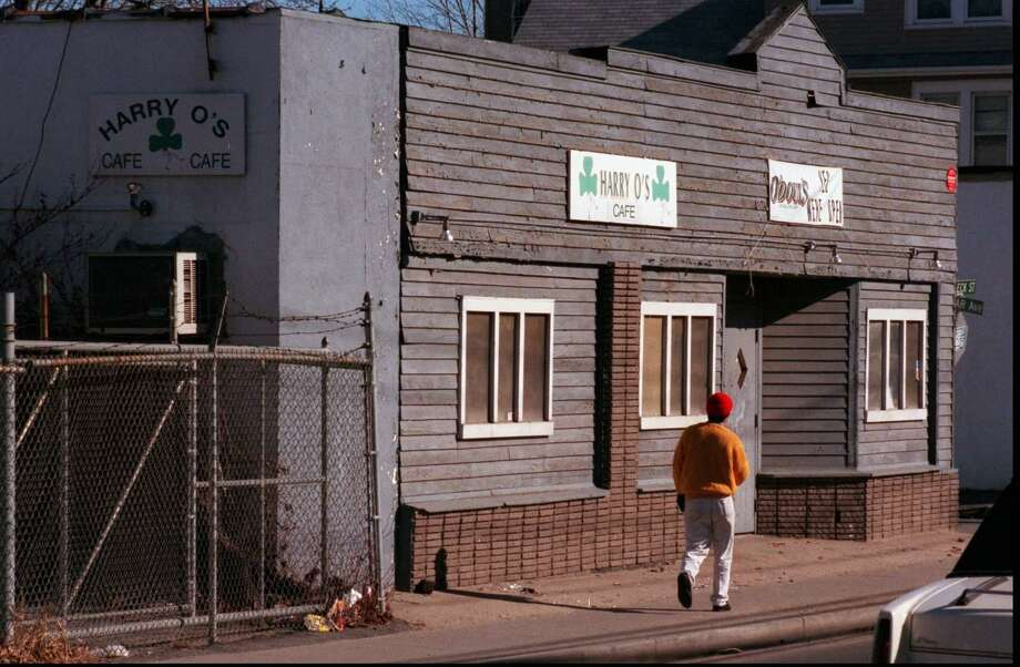 Harry O's on Selleck Street on Jan. 29, 1998. Photo: Tom Ryan / Staff Photographer / Stamford Advocate