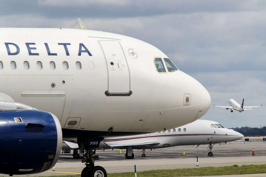 If you're a big Delta flyer, now's the time to take advantage of limited time offer for its AMEX cards Photo: Mary Altaffer, Associated Press