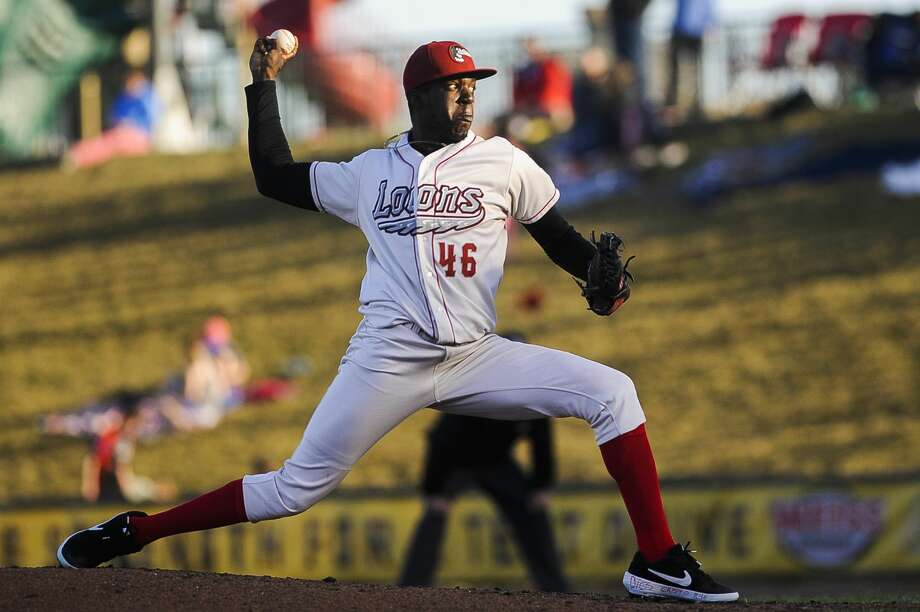 Great Lakes Loons pitcher Jeronimo Castro pitches the ball during a game against South Bend on Monday, April 8, 2019 at Dow Diamond. (Katy Kildee/kkildee@mdn.net) Photo: (Katy Kildee/kkildee@mdn.net)