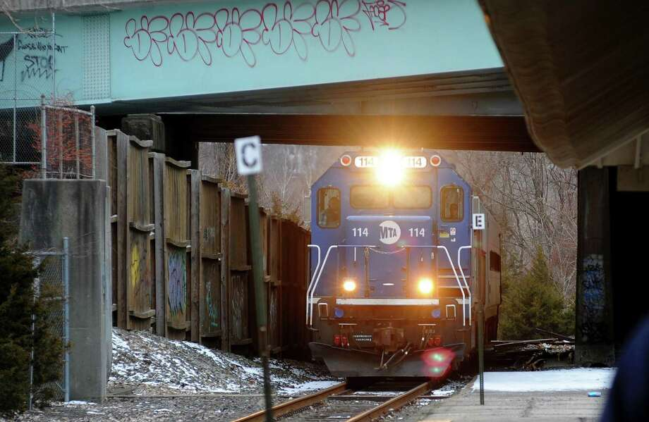 A Metro-North train pulls into the Derby/Shelton station in Derby, Conn., on Wednesday Jan. 31, 2018. Photo: Christian Abraham / Hearst Connecticut Media / Connecticut Post