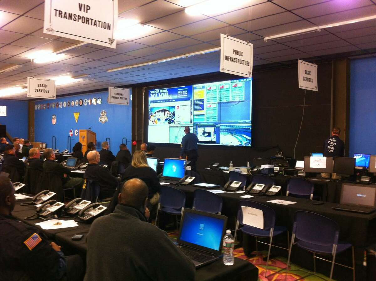 New Jersey State Police get training on Mutualink's emergency notification system prior to the 2014 Super Bowl. (File photo via Business Wire)