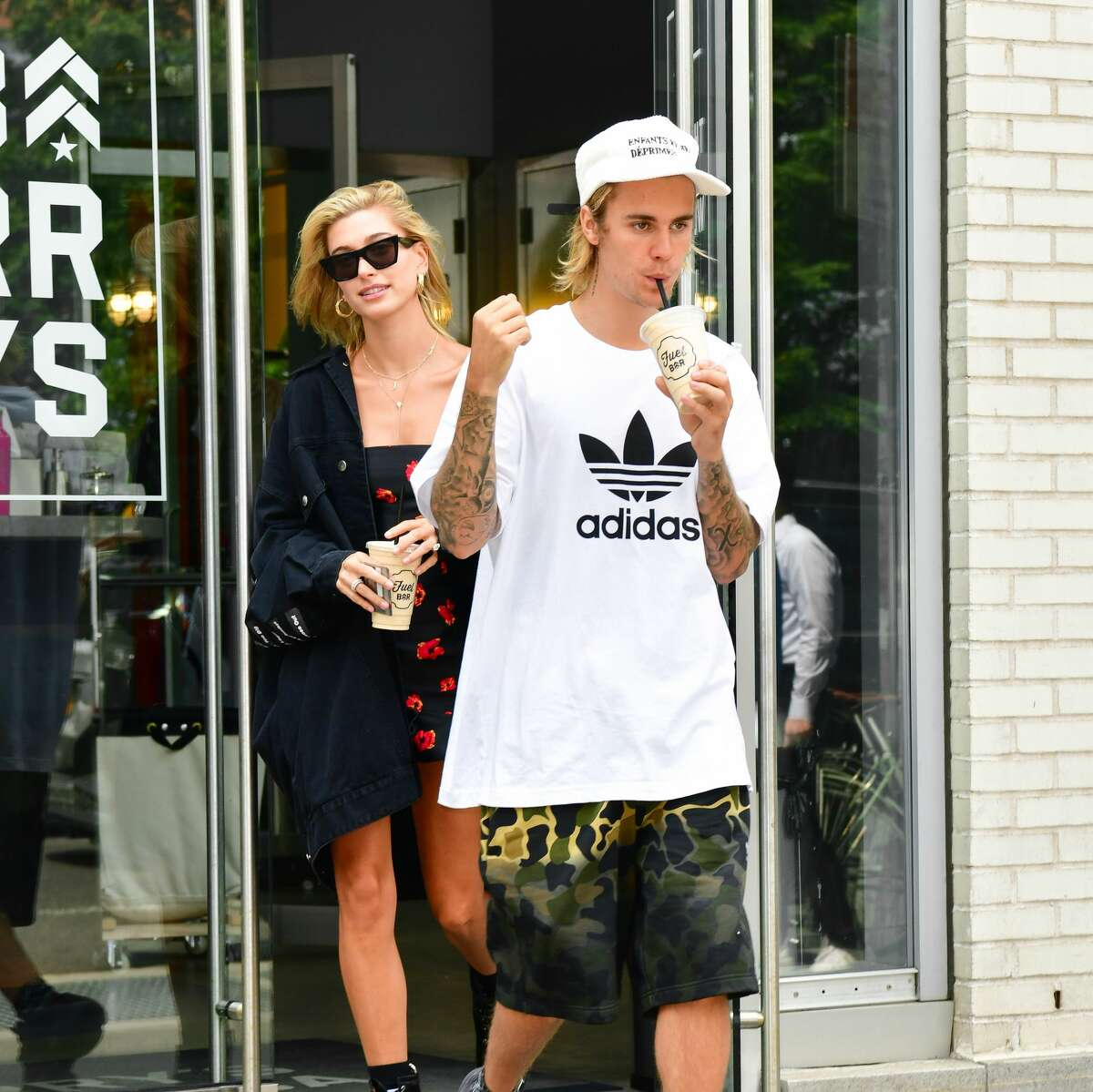 NEW YORK, NY - JULY 27: Hailey Baldwin and Justin Bieber leave Barry's Bootcamp Tribeca. (Photo by James Devaney/GC Images)