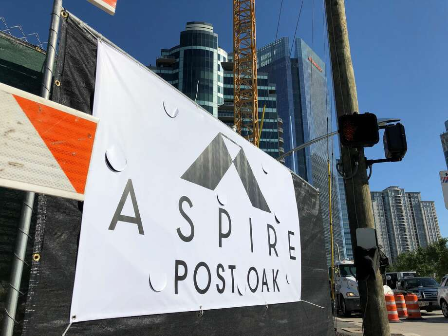 Construction was under way April 9, 2019 on Aspire Post Oak, a 39-story apartment tower at San Felipe and Post Oak Boulevard. Photo: Nancy Sarnoff / Houston Chronicle
