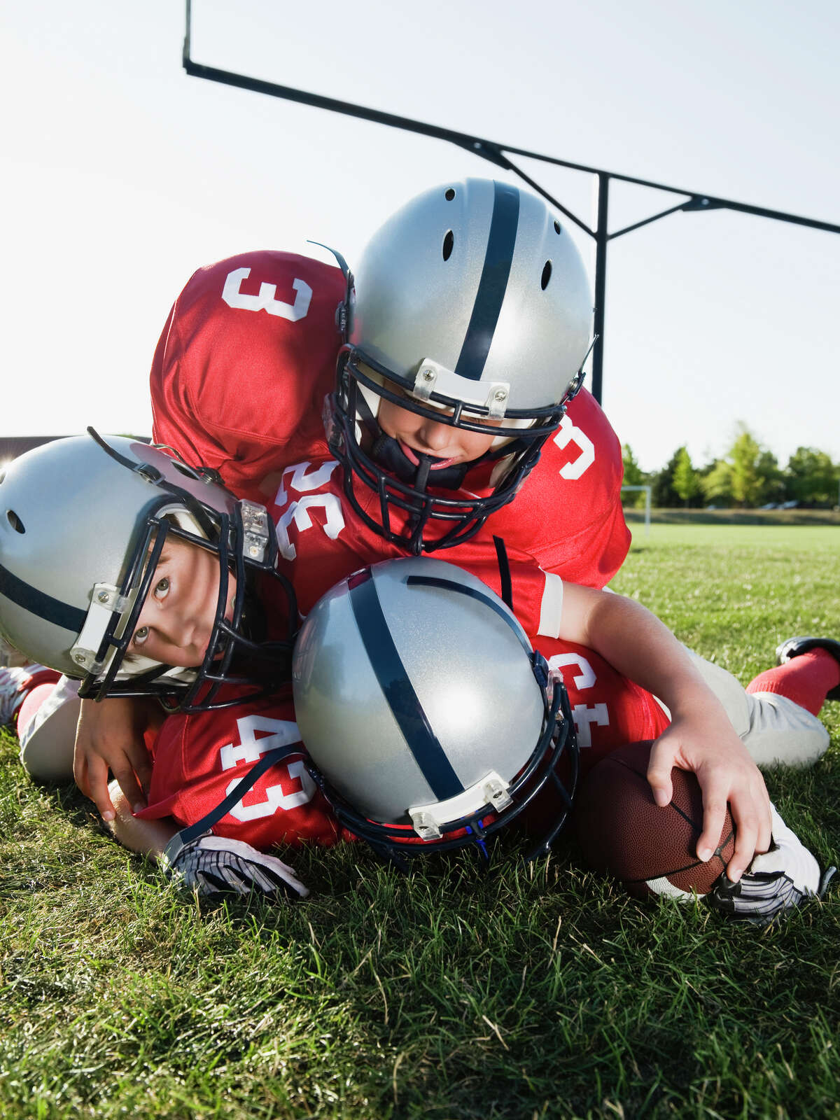 61% of parents surveyed supported a minimum tackling age. That number includes the 63% of mothers and 58% of fathers who support the restriction.