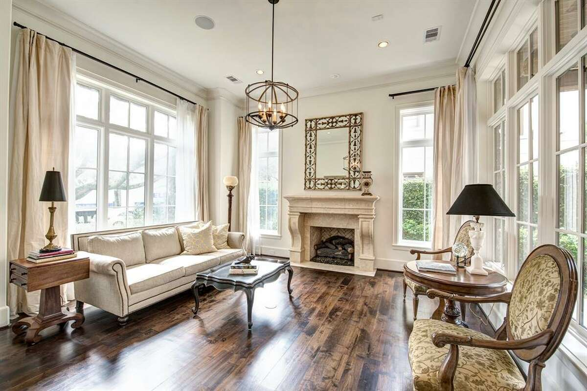 10.1928 Dunstan Road, HoustonHouse sold: $2.5 million - $2.9 million6,446 square feetGreenwood King Properties - Heidi Dugan