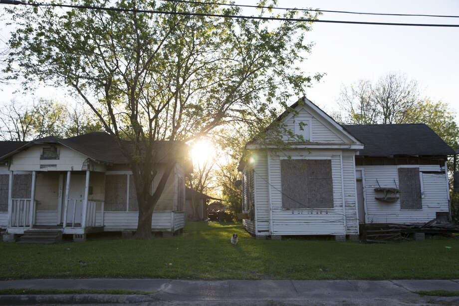 Deserted houses in the Kashmere Gardens neighborhood, one of Houston's most economically distressed areas. Many houses in the area were abandoned during Hurricane Harvey.Southern states tend to have the highest rates of poverty in the U.S., according to the U.S. Census. Photo: Yi-Chin Lee/Staff Photographer