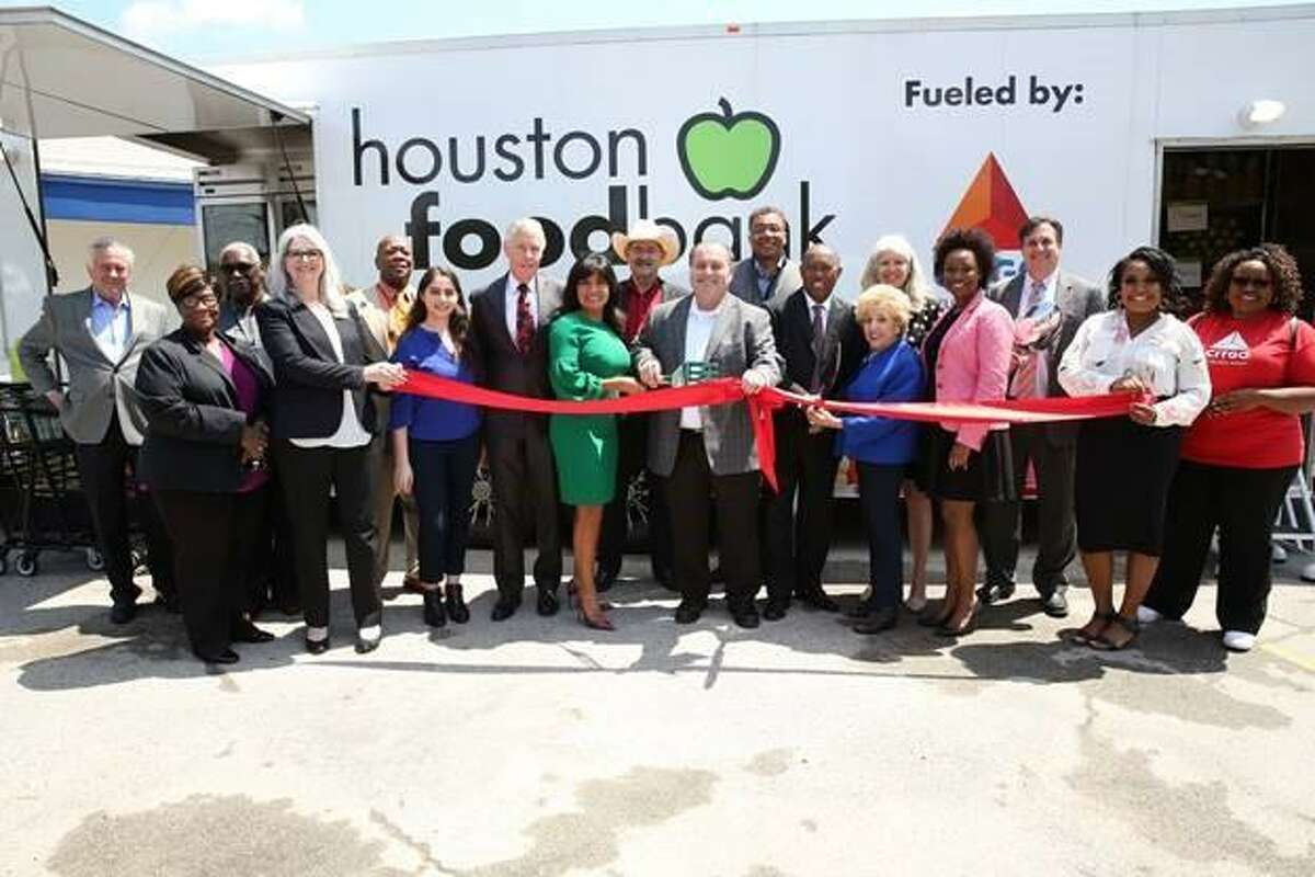 Houston Mayor Sylvester Turner helped unveil a new mobile food pantry at a ceremony on Monday, April 8, atVolunteers of America Texas on Yale Street. Supported by CITGO and the Houston Food Bank, the food pantry will serve residents living in theIndependence Heights, Northline and Acres Homes neighborhoods that are still recovering from Hurricane Harvey.